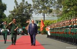 Thủ tướng Nguyễn Xuân Phúc thăm Bệnh viện Quân đội 175
