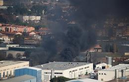 Cháy nhà máy hóa chất ở Tây Ban Nha