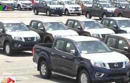 Các hãng ô tô đua nhau giảm giá hút khách cuối năm