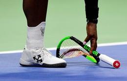 Vợt hỏng của Serena Williams được bán với giá gần 400 triệu đồng