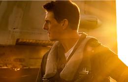 """Tom Cruise """"bay lượn"""" ngoạn mục trong trailer chính thức của Phi công siêu đẳng Maverick"""