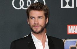 Chồng cũ Miley Cyrus bỗng nhiên bị kiện chỉ vì... một bức ảnh cũ