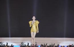 Tóc Tiên diện đồ sexy khuấy động sân khấu Festival Hoa Đà Lạt