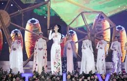 Á hậu Kiều Loan bất ngờ làm ca sĩ trên sóng truyền hình