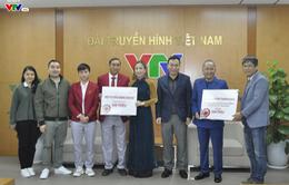 ĐT nữ Việt Nam và Trưởng Ban bóng đá nữ VFF trao 1 tỷ đồng ủng hộ bệnh nhi tim bẩm sinh