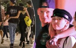 """Mối quan hệ của Miley Cyrus và bạn trai mới rất """"dễ thở"""""""
