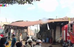 Cần Thơ: Cháy cơ sở sản xuất dầu chai cạnh chợ nổi Cái Răng