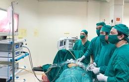 Hà Tĩnh: Bệnh nhân ung thư gan đầu tiên được điều trị bằng sóng cao tần
