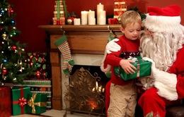 Khoa học chứng minh lấy ông già Noel ra... dọa thực sự khiến trẻ ngoan hơn