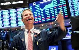 Thị trường chứng khoán Mỹ mở đầu tuần trong sắc xanh