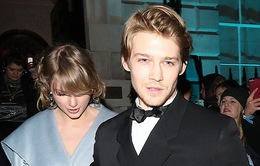 Trong khi Taylor Swift bận rộn thì bạn trai lại quá nhàn rỗi