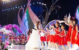 Lương Thùy Linh hóa công chúa tuyết, hát mừng năm mới tại Đà Lạt