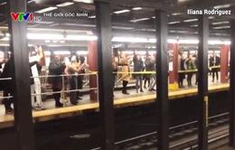 Rộn ràng Giáng sinh trong ga tàu điện ngầm