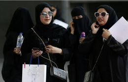 Saudi Arabia chính thức cấm kết hôn dưới 18 tuổi