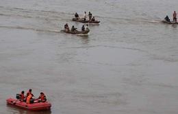 Tìm thấy thi thể nam thanh niên gieo mình xuống sông Lam tự vẫn