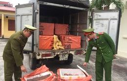 """Bắc Giang: Chặn giữ hơn 1 tấn sản phẩm động vật """"bẩn"""""""