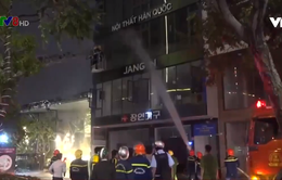 Đà Nẵng: Cháy lớn tại cửa hàng nội thất