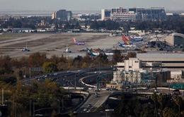 Trục trặc động cơ, máy bay hạ cánh khẩn cấp tại bang California, Mỹ