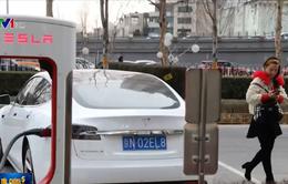 Tesla bắt đầu giao hàng xe sản xuất tại Trung Quốc