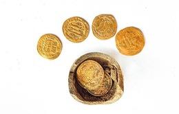 Phát hiện đồng tiền vàng 1.200 năm tuổi tại Israel
