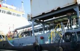 Iran bắt giữ tàu chở 1,3 triệu lít dầu nhập lậu