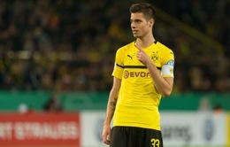 """Chiêu mộ Erling Haaland, Dortmund bắt đầu """"xả kho"""""""