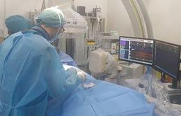 Lần đầu tiên điều trị cho trẻ có nhịp tim nhanh gấp đôi bình thường