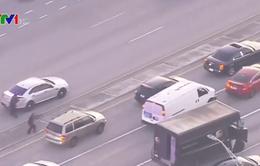 Cảnh sát Mỹ rượt đuổi xe tải bắt cóc con tin kịch tính như phim hành động