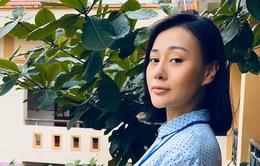 """Phương Oanh """"Quỳnh búp bê"""" làm cô giáo làng trong phim mới"""