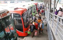 Lượng khách đổ về các bến xe Hà Nội giảm hơn so với năm ngoái