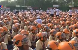 4.999 trẻ em Ấn Độ đội mũ bảo hiểm