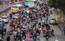 Người dân ùn ùn trở lại Thủ đô sau 9 ngày nghỉ lễ Tết Âm lịch
