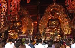 Đông đảo du khách dự khai mạc lễ hội chùa Bái Đính