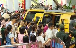 Quá tải giao thông ngày khai hội chùa Hương