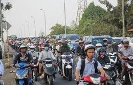 Giao thông ùn tắc cục bộ tại cửa ngõ các thành phố lớn
