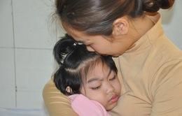 Đớn đau người mẹ sinh đôi thì một bé mất, một bé bại não