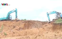 Kon Tum: Bắt quả tang vụ khai thác đất sét trái phép vào ban đêm