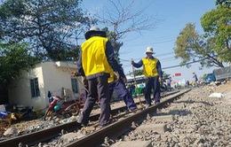 Tàu trật bánh ở Đồng Nai, đường sắt bị tê liệt nhiều giờ