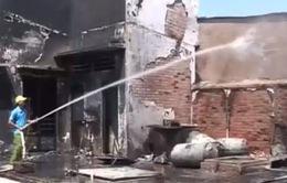 Cháy cây xăng ở Long An, 2 người bị thương nhẹ
