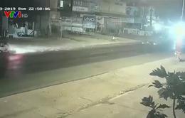 Phóng nhanh vượt ẩu, xe máy gây tai nạn nghiêm trọng