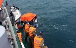 Tìm kiếm thuyền viên mất tích trên biển Cà Mau