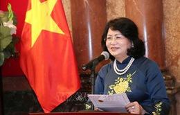 Giới thiệu văn học, thơ ca Việt Nam ra thế giới