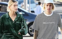 Sau tin đồn ly hôn, Justin Bieber vẫn quấn quýt bên vợ