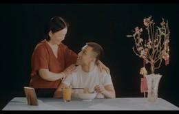 Dương Edward ra mắt MV hát về nỗi lòng người con xa quê nhớ mẹ ngày Tết