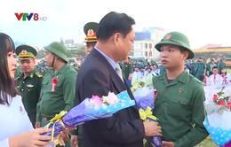 Thanh niên miền Trung - Tây Nguyên hăng hái lên đường nhập ngũ