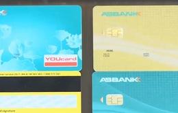 Sôi động cuộc đua phát hành thẻ tín dụng