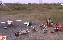 Chơi máy bay mô hình: Vẫn có đất cho người ít tiền
