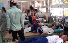 Kỷ luật 2 y sĩ sau vụ  hàng loạt học sinh nhập viện vì súc miệng bằng dung dịch Fluor