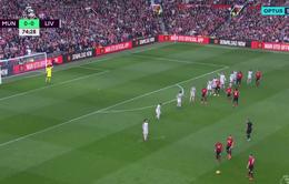VIDEO Matip giúp Man Utd ghi bàn vào lưới Liverpool và cái kết