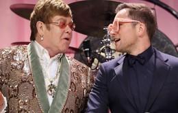 """Ngôi sao """"Kingsman"""" gây bất ngờ khi song ca cùng huyền thoại âm nhạc Elton John"""